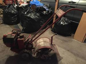 Troy bilt Junior Tiller.  This tiller DOES NOT run but for the mechanically minded