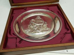 Danbury Mint PIETA by Michelangelo Solid Sterling Silver Plate